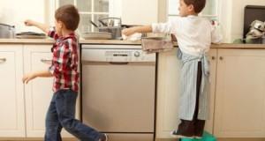 Chia sẻ việc nhà cùng con