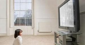 Tại sao phải ngồi xa màn hình Tivi?