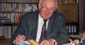 Nhà văn Otfried Preussler viết sách từ vốn truyện dân gian