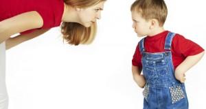 """Làm gì khi trẻ """"bật lại"""" cha mẹ?"""