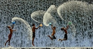 Những bài viết về mưa của các bạn lớp Nghĩ và Viết (lớp 4 – 5)