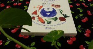 """Sổ tay ăn dặm của mẹ – Yêu thương và nuôi con một cách khoa học (Đọc """"Sổ tay ăn dặm của mẹ"""" Lê Thị Hải, Nhã Nam & NXB Thế giới, 2016)"""