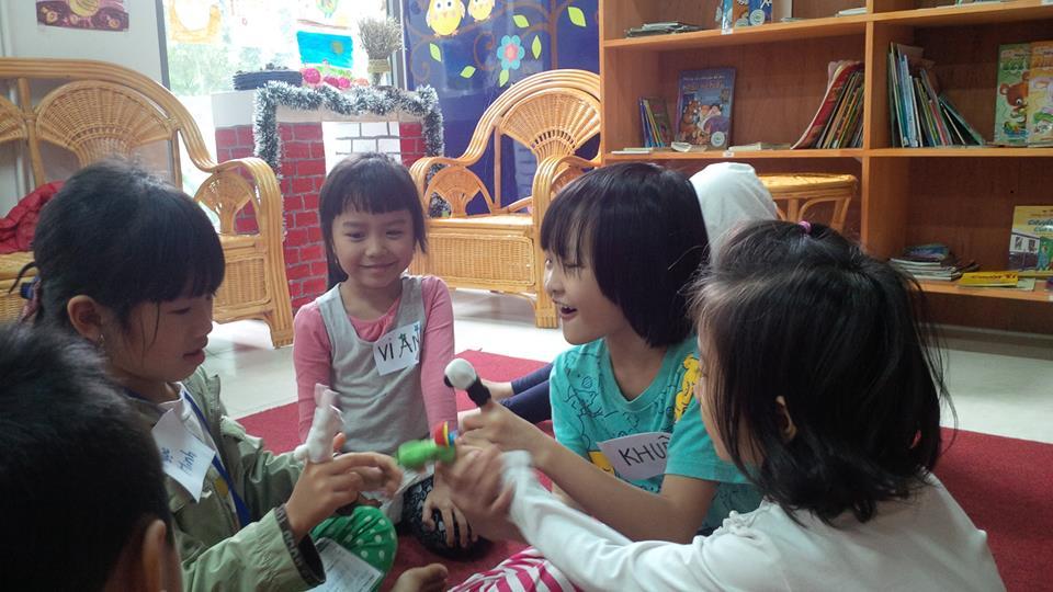doc sach cau chuyen ve andersen ecopark (5)
