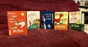 Vui học ngôn ngữ cùng Dr.Seuss  (Đọc bộ sách Dr. Seuss, Phù thuỷ ngôn ngữ trứ danh của thế kỷ XX, Alpha Books, NXB Dân trí, 2016)