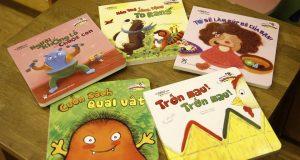 Bài học đầu đời nhẹ nhàng và vui tươi cho bé (đọc bộ sách Phát triển trí thông minh toán học cho trẻ 2-5 tuổi)
