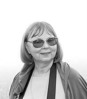 CẦN PHÂN BIỆT NHÀ VĂN VỚI NGƯỜI KỂ CHUYỆN – Thụy Anh phỏng vấn Giáo sư Tachiana Philimonova