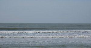 Biển Đồ Sơn trong cơn mưa