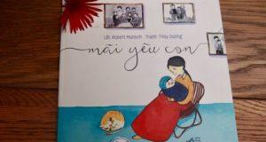 """Lắng nghe điệp khúc yêu thương (Đọc """"Mãi yêu con"""", Lời: Robert Munsch, Tranh: Thùy Dương, Nhã Nam, NXB Hội Nhà Văn, 2015)"""