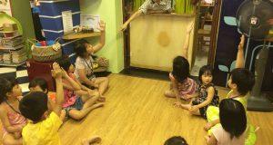 """Buổi đọc sách """"Bé khoẻ bé ngoan chẳng cần lính cứu hoả"""" (Hong Won Pyo – Kim Dan Bi, NXB Kim Đồng, 2015)"""