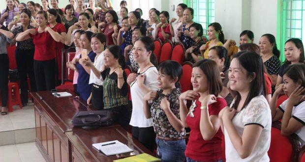 TSGD Nguyễn Thụy Anh tập huấn giáo viên tại huyện Thọ Xuân (Thanh Hóa)