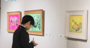 """Tham quan triễn lãm """"Tranh Tết  Kỷ Hợi"""" tại Đông A Gallery"""