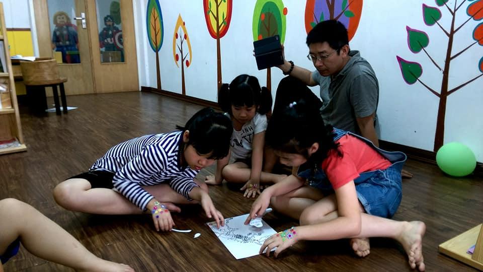 doc sach kham pha dau tien cua to khung long (2)