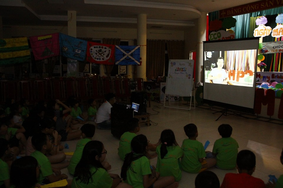 ecocamp 2019 - 1- mung sinh nhat clb doc sach cung con 9 tuoi (6)