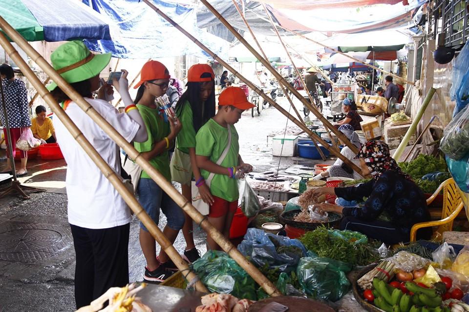 ecocamp 2019 dot 3 - trai nghiem di cho dinh doai (8)