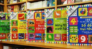 """Cùng đọc sách cùng khám phá niềm vui (đọc bộ sách """"100 từ đầu đời của bé"""", Nhã Nam & NXB Thế giới, 2018)"""