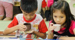 Ly trà từ Phù thủy Thảo Dược