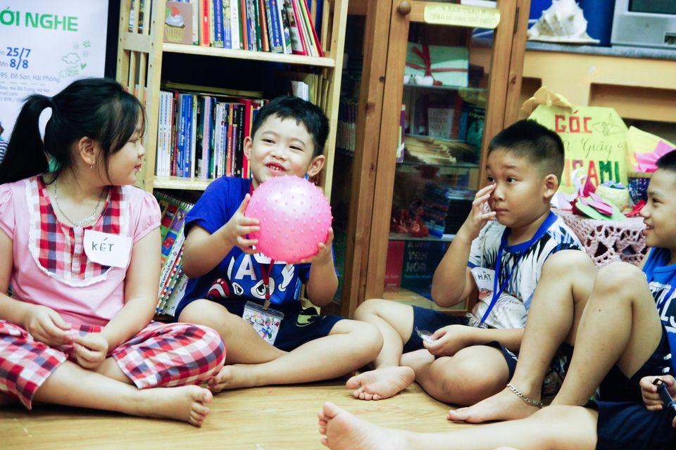 doc sach dong vat muon mau (3)