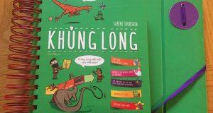 """Cùng Dế khám phá về khủng long (Đọc """"Khủng Long"""",Sabine Jordane, Đặng Dưỡng dịch, Nhã Nam & NXB Thế Giới, 2019)"""